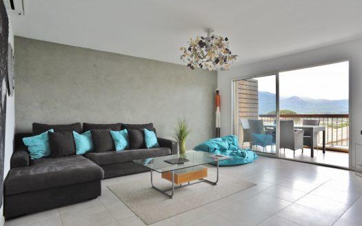 01-appartement-2-chambres-climatisation-proche-port-plaisance-porto-vecchio