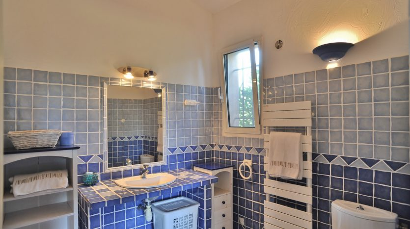 salle de bain vente et location de villas de luxe marina di fiori corse du sud