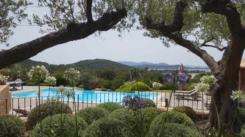 location villa de luxe punta d'arasu bord de mer avec piscine sud corse