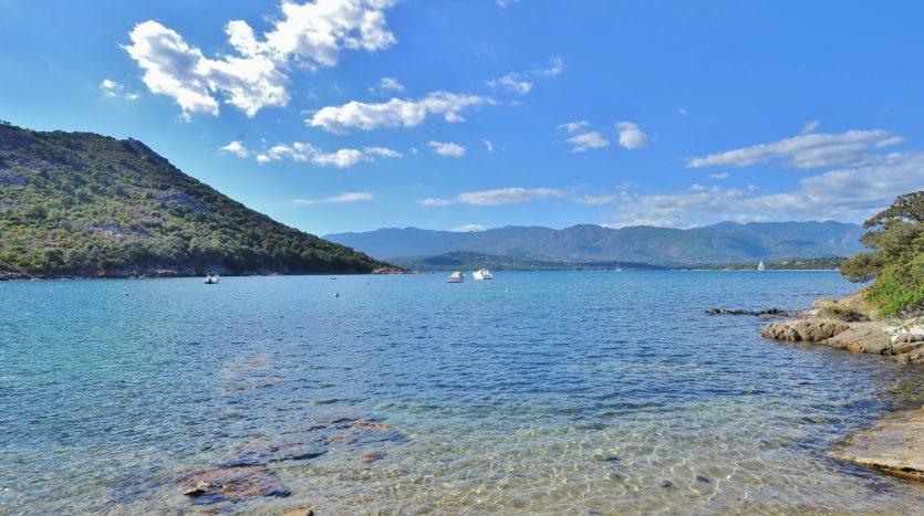 01-achat-villa-porto-vecchio-pieds-dans-eau