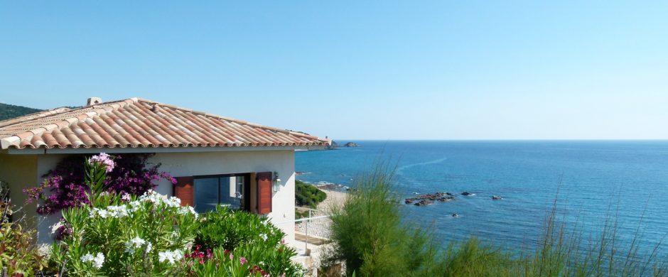 """Très belle villa vue panoramique, """"pieds dans l'eau"""" à Pinarello"""