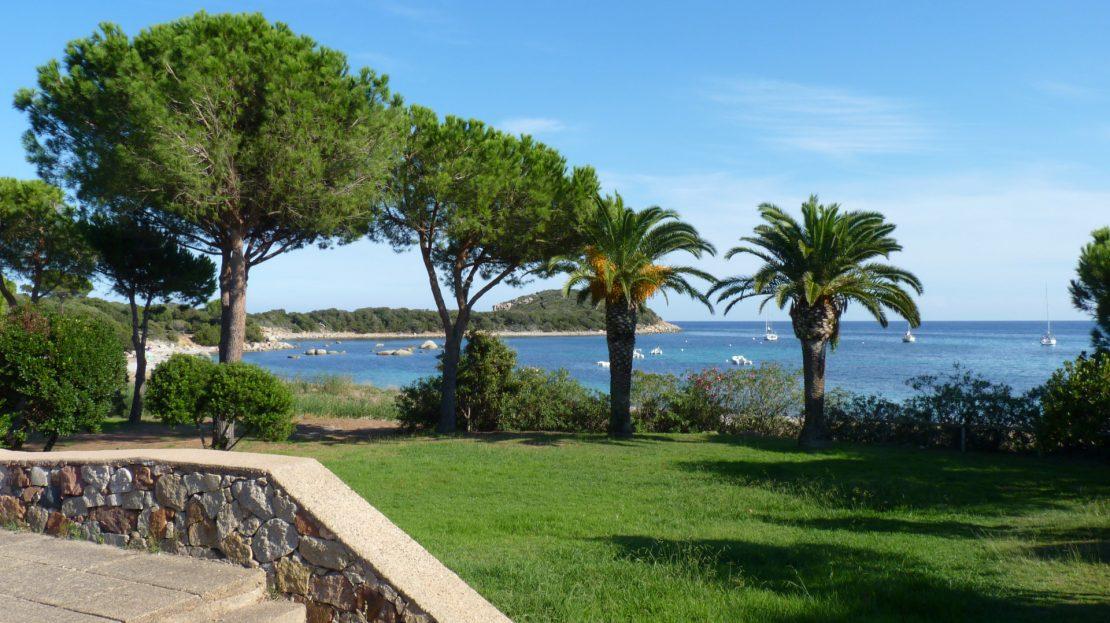 location-villa-porto-vecchio-jardin-anneau-bateau