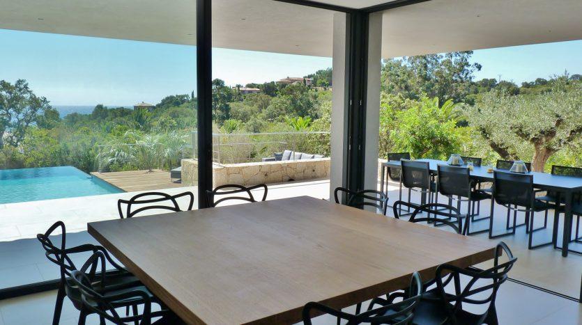 P1240004-01-location-villa-Capicciola-vue-mer-piscine-acces-plage