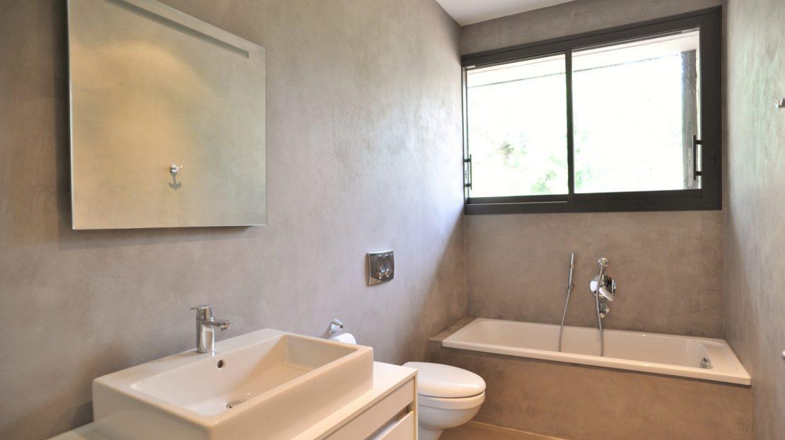 Villa-5 chambres- contemporaine-climatisée-plage