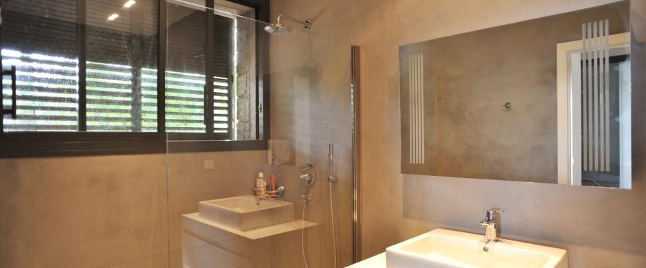 """Location villa """"pieds dans l'eau"""" Porto-Vecchio"""