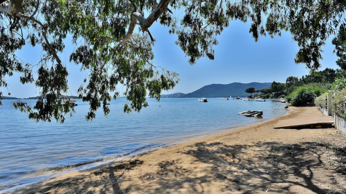 location villa pieds dans l'eau vue mer Marina di Fiori corse du sud