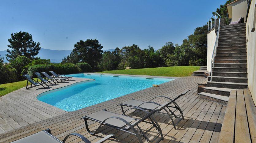 05-golfe-porto-vecchio-villa-piscine-vue-mer.