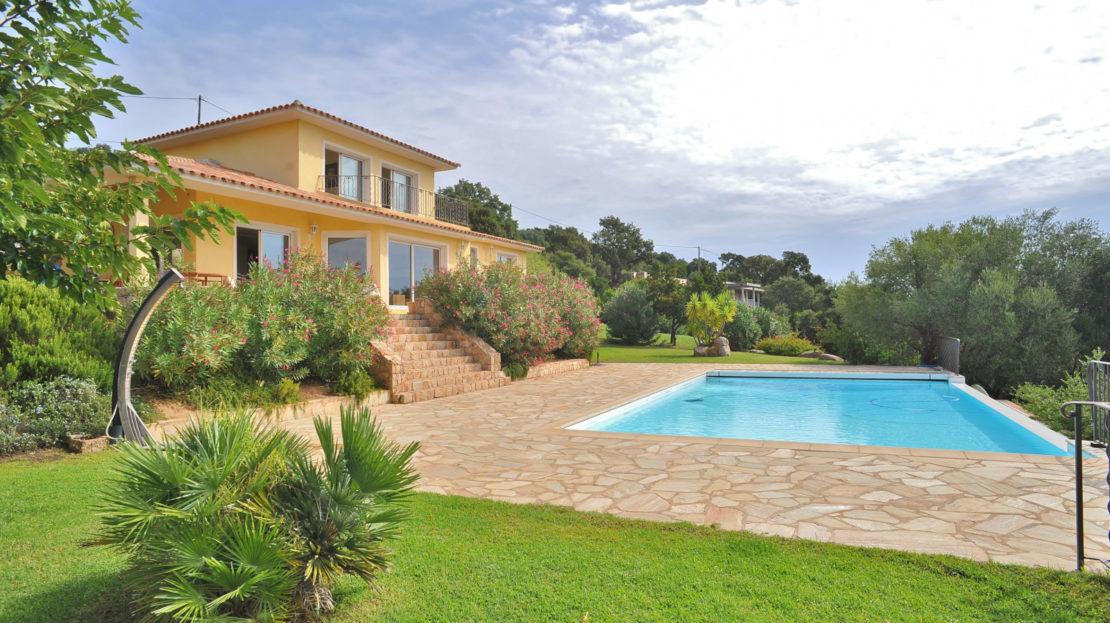 villa terrasse piscine chauffée vue mer
