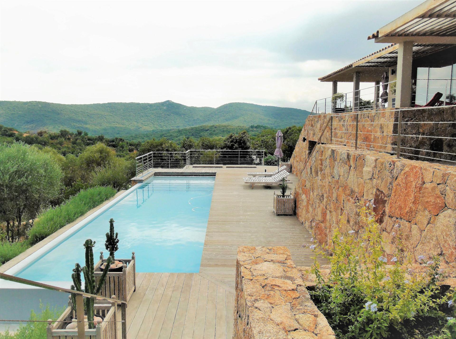 Location villa vue sur la tour de pinarello delta immo - Bagno la villa pinarella ...