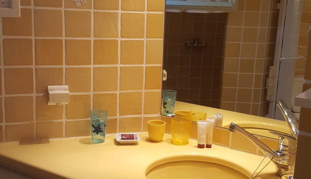 salle de bain location villa de luxe proche de la plage avec piscine corse du sud