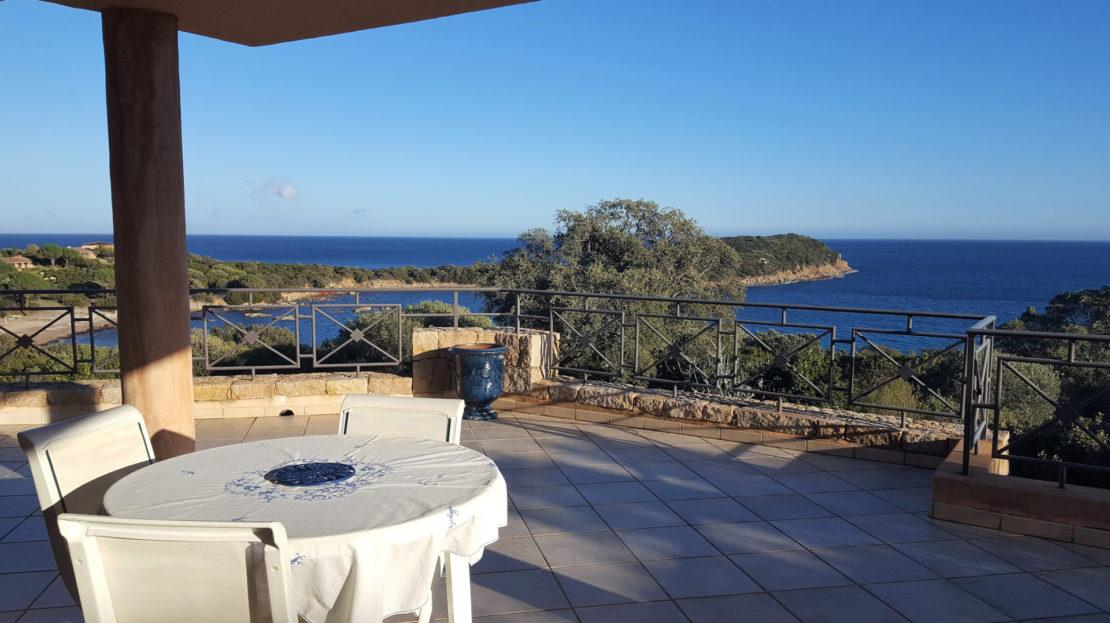terrasse vue mer location villa delta immobilier