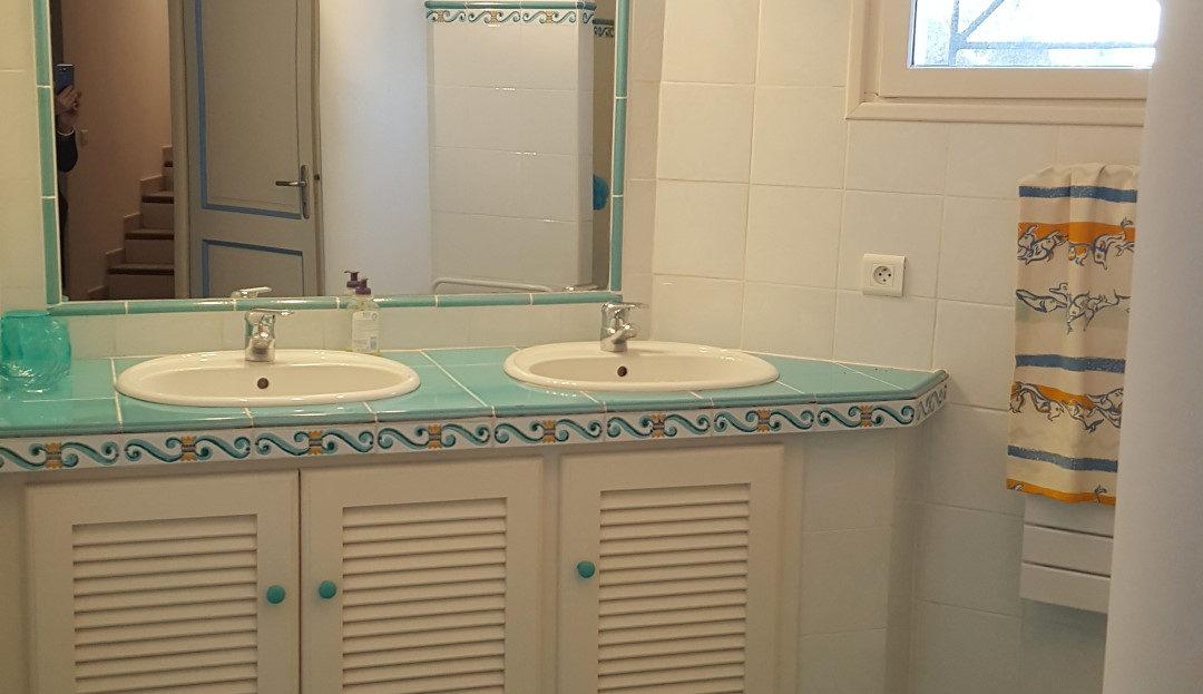salle de bain villa les pieds dans l'eau capicciola
