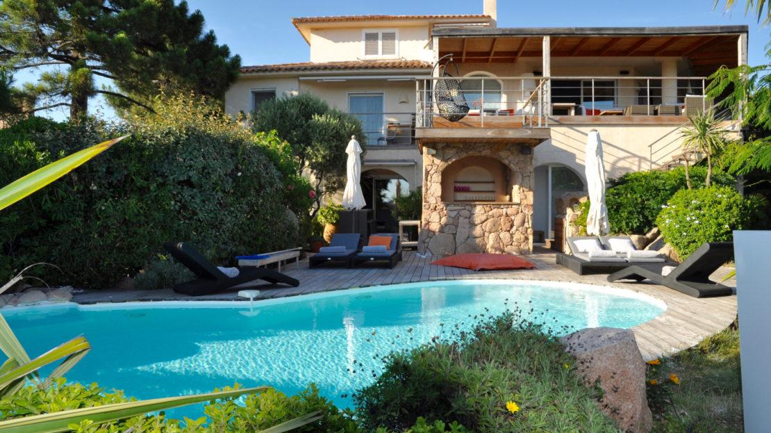 location villa avec piscine vue mer porto vecchio