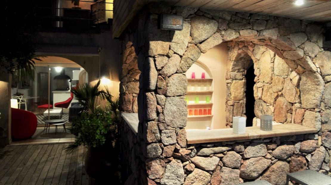 cuisine d'été location villa de luxe piscine vue mer golf porto vecchio sud corse