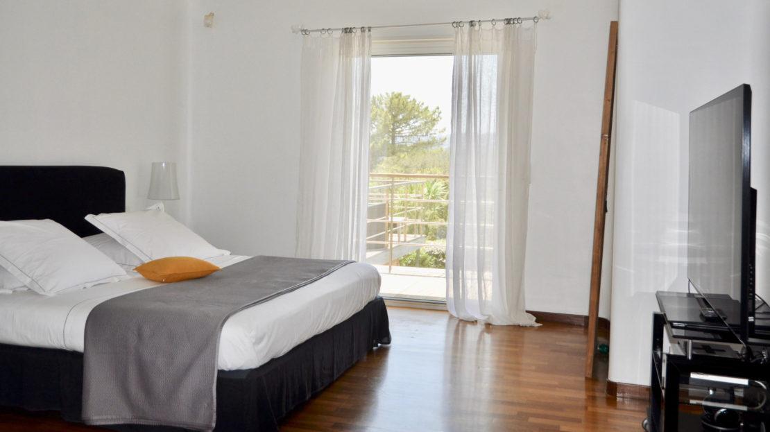 chambre location villa de luxe piscine vue mer golf porto vecchio sud corse