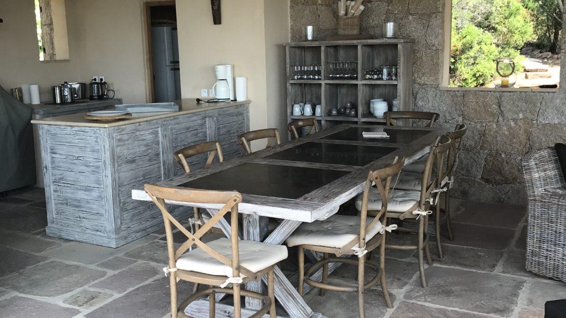 cuisine d'été vente et location de villas de luxe vue mer et piscine domaine d'araso corse du sud