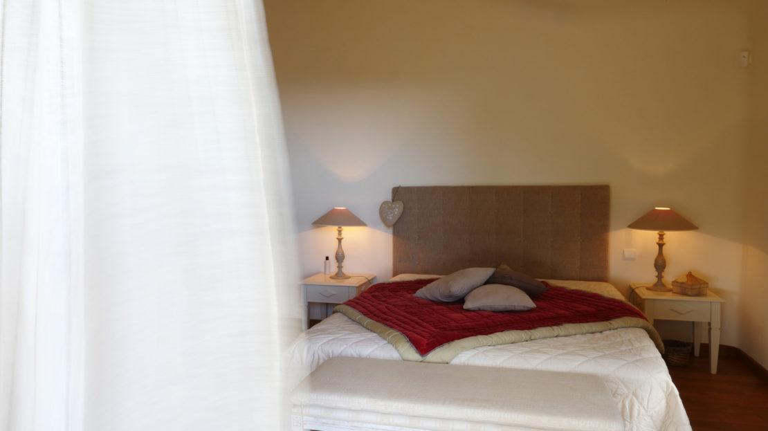 chambre vente et location de villas de luxe vue mer et piscine domaine d'araso corse du sud