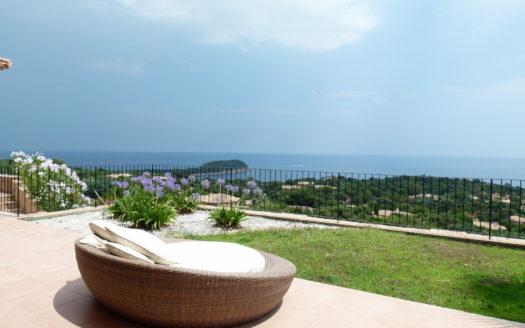 Villa avec vue mer domaine de la capicciola delta immo for Camping quend plage avec piscine