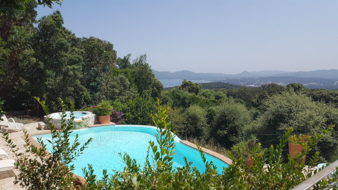 villa avec piscine vue panoramique porto vecchio location et vente delta immobilier