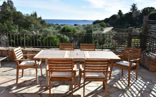 terrasse location villa de luxe vue mer avec piscine corse du sud palombaggia