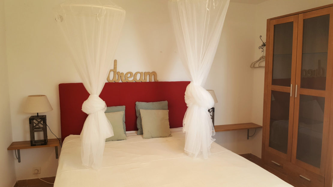 chambre location villa de luxe vue mer avec piscine corse du sud palombaggia