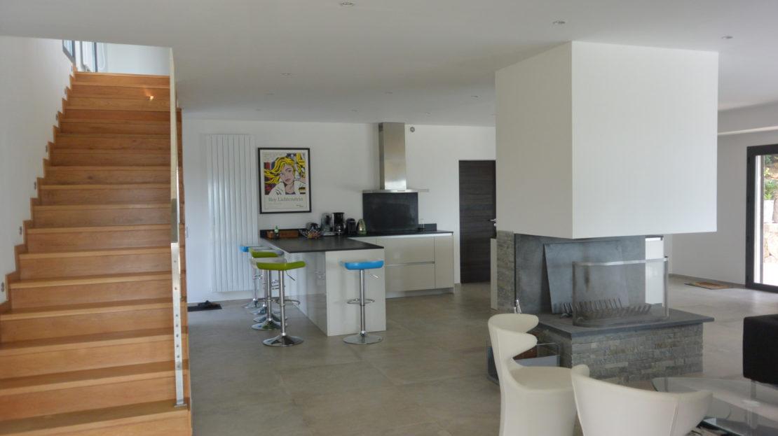 salon cuisine vente villa de luxe saint cyprien corse du sud