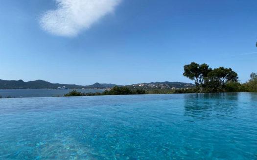 villa avec piscine face au golfe de Porto-Vecchio